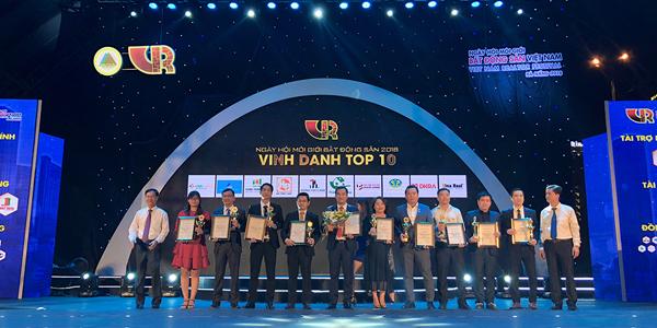 """DKRA VIETNAM ĐƯỢC VINH DANH """"TOP 10 SÀN GIAO DỊCH BẤT ĐỘNG SẢN XUẤT SẮC NHẤT"""" NĂM 2018"""